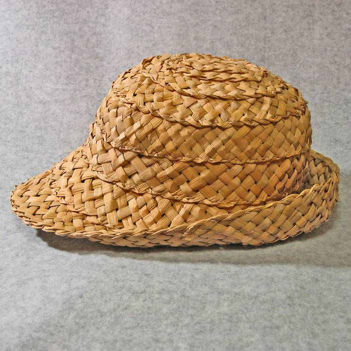 Teaser image for Cattail Weaving: The Northern Fedora