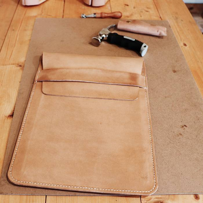 Teaser image for Hand-Sewn Leather Cases: Saddle Stitch Style