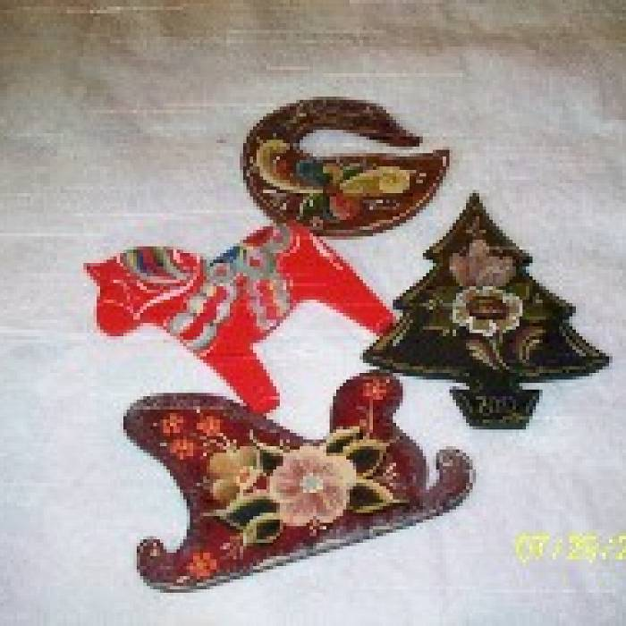 Rosemaling Christmas Ornaments